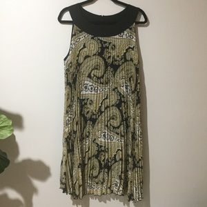 Essentials by Milano Dress Size 12 Black and Gold